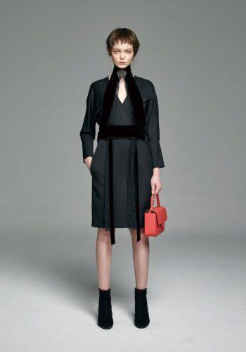 羊毛造型袖V領洋裝
