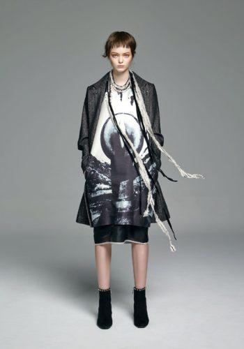 人字紋羊毛大衣/影像系列-廣場 絲綿背心洋裝