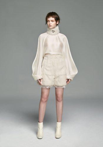 野蠶絲反折袖上衣/兔毛高腰短褲